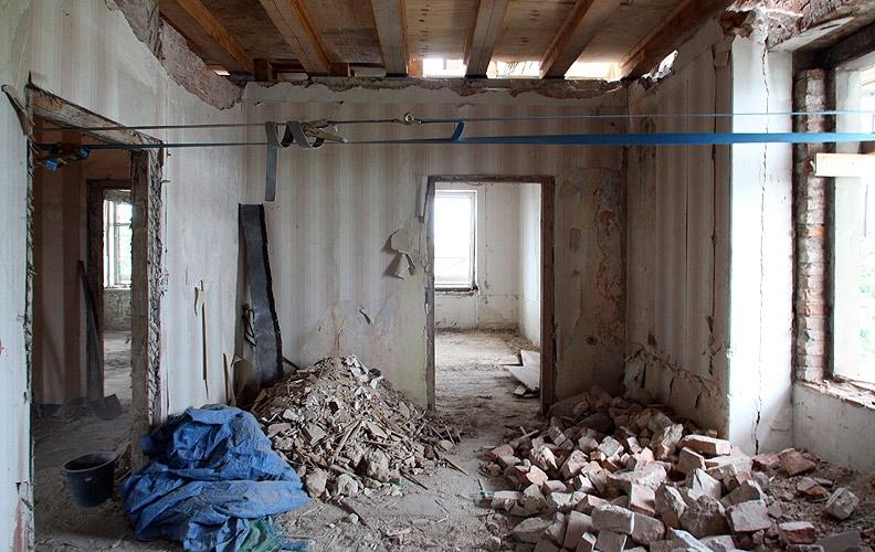 Démolition (démolition intérieure, cloison, plafond, sol, parquet…)
